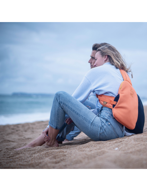 Snugbud Clásico – chaleco-mochila-con calor-jarra – Naranja y Azul