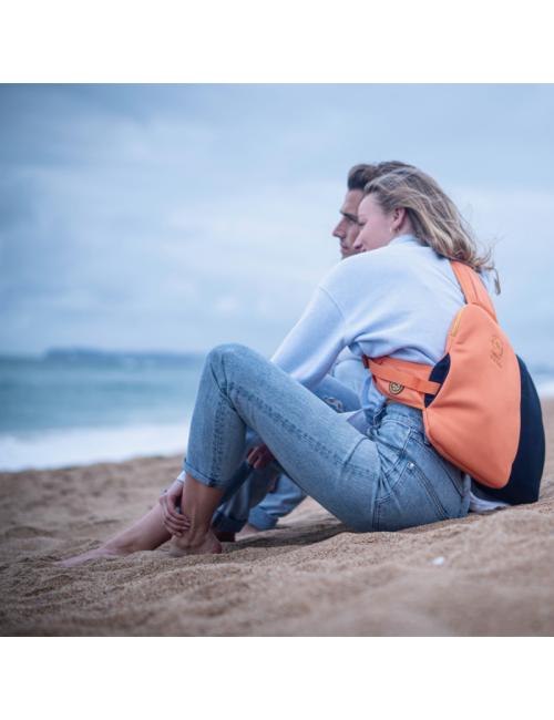 Snugbud Classic – bodywarmer rugzak met warmte kruik – Oranje - Blauw
